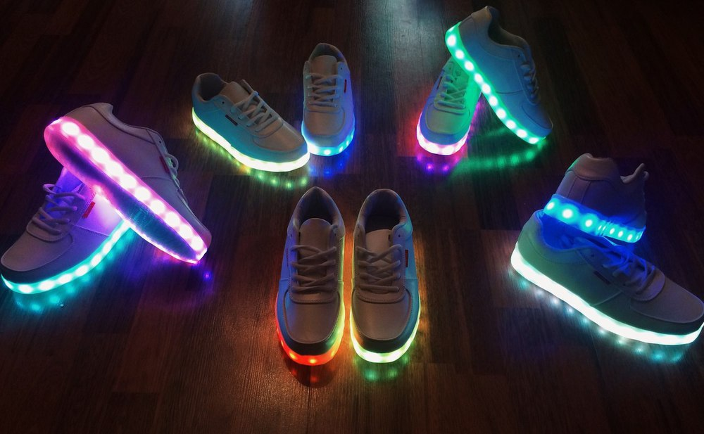 Как сделать обувь светящейся 810