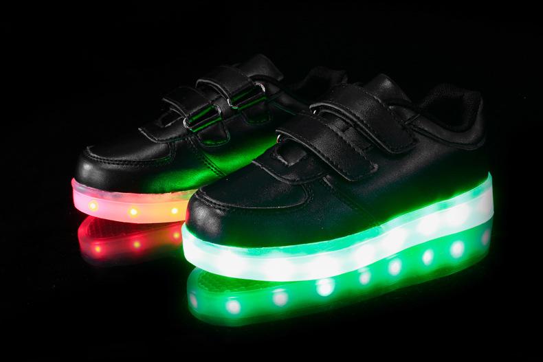 Детские светящиеся кроссовки с доставкой
